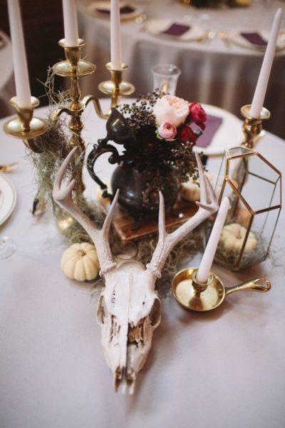 dekoracja ślubna na stole